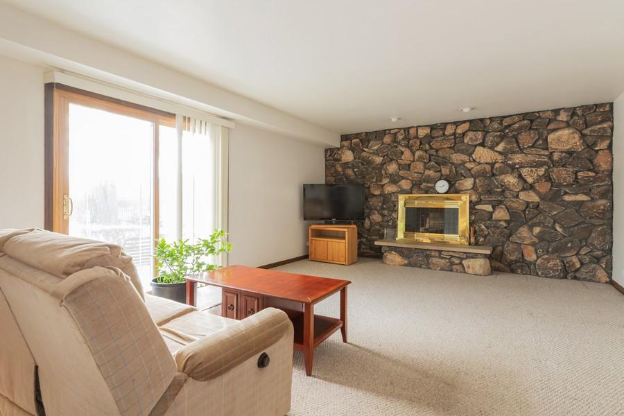 Real Estate Photography - 515 E Ridge Rd, Arlington Heights, IL, 60004 - Family Room