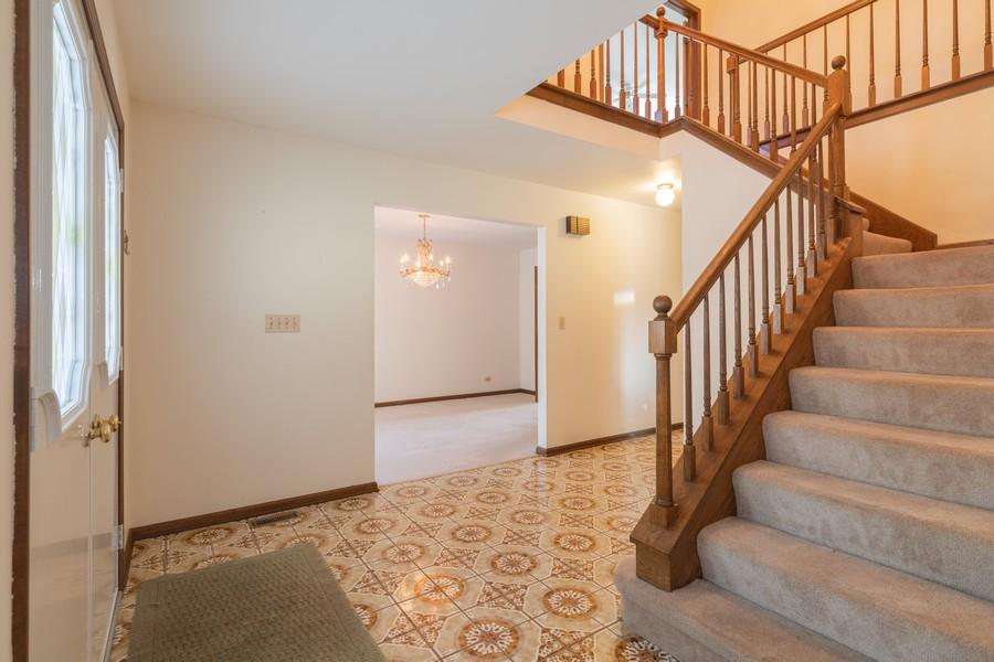 Real Estate Photography - 515 E Ridge Rd, Arlington Heights, IL, 60004 - Foyer