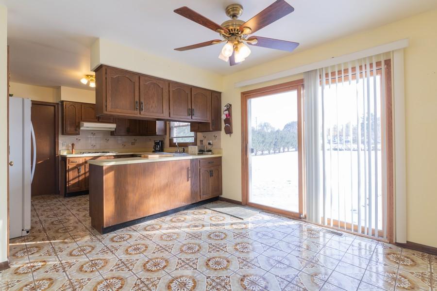Real Estate Photography - 515 E Ridge Rd, Arlington Heights, IL, 60004 - Breakfast Area