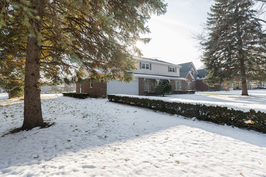 Real Estate Photography - 515 E Ridge Rd, Arlington Heights, IL, 60004 - Front View