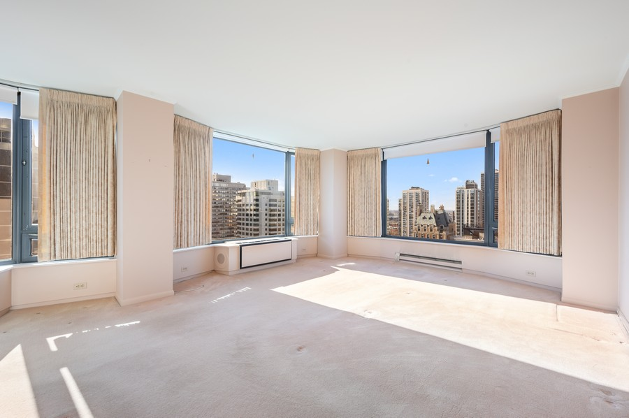 Real Estate Photography - 1555 W Astor, 24W, Chicago, IL, 60610 - Master Bedroom