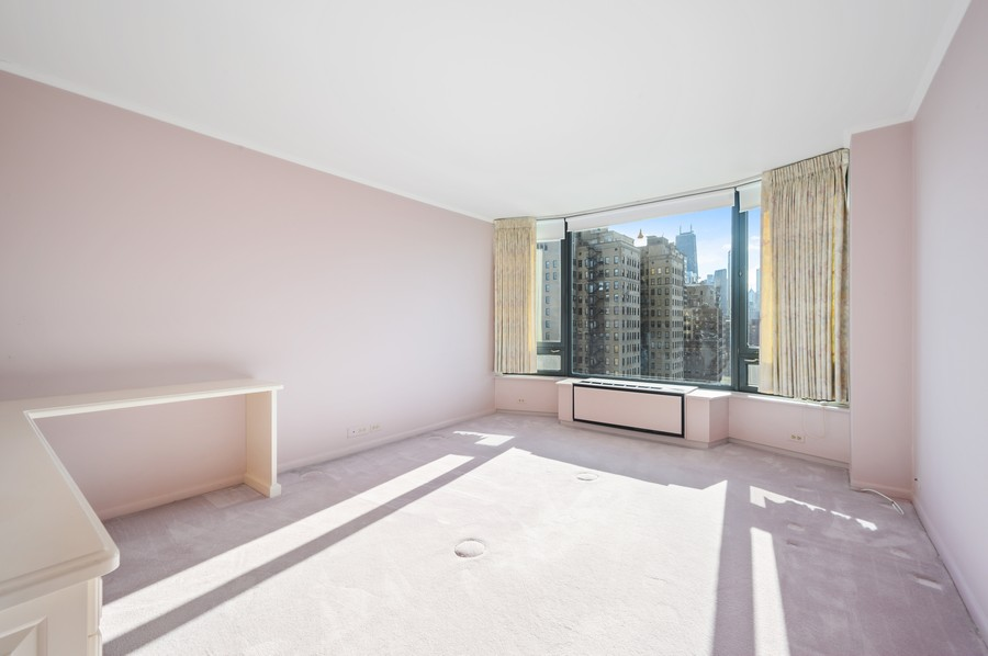 Real Estate Photography - 1555 W Astor, 24W, Chicago, IL, 60610 - Bedroom