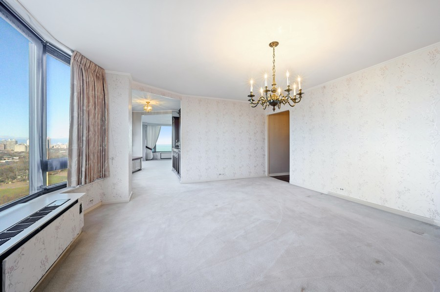 Real Estate Photography - 1555 W Astor, 24W, Chicago, IL, 60610 - Dining Room
