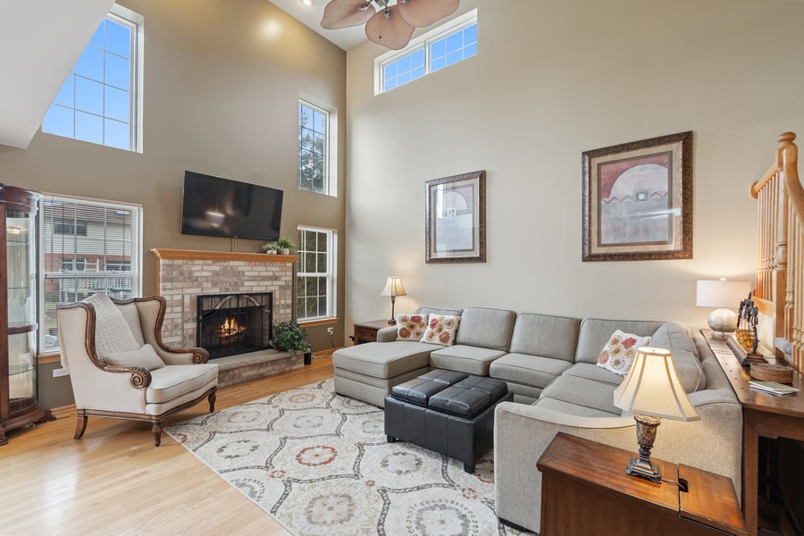 Real Estate Photography - 2624 Schooner Dr, New Lenox, IL, 60451 - Living Room