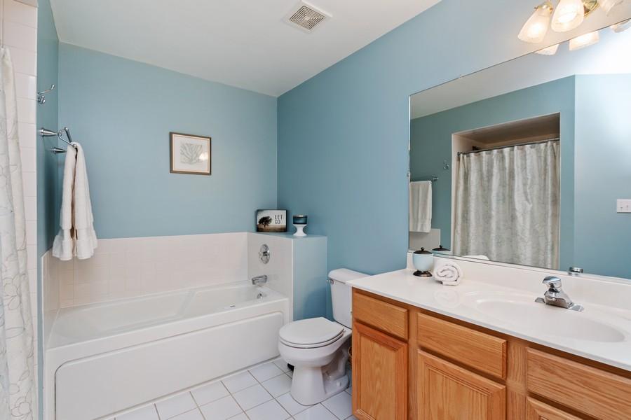 Real Estate Photography - 2624 Schooner Dr, New Lenox, IL, 60451 - Master Bathroom