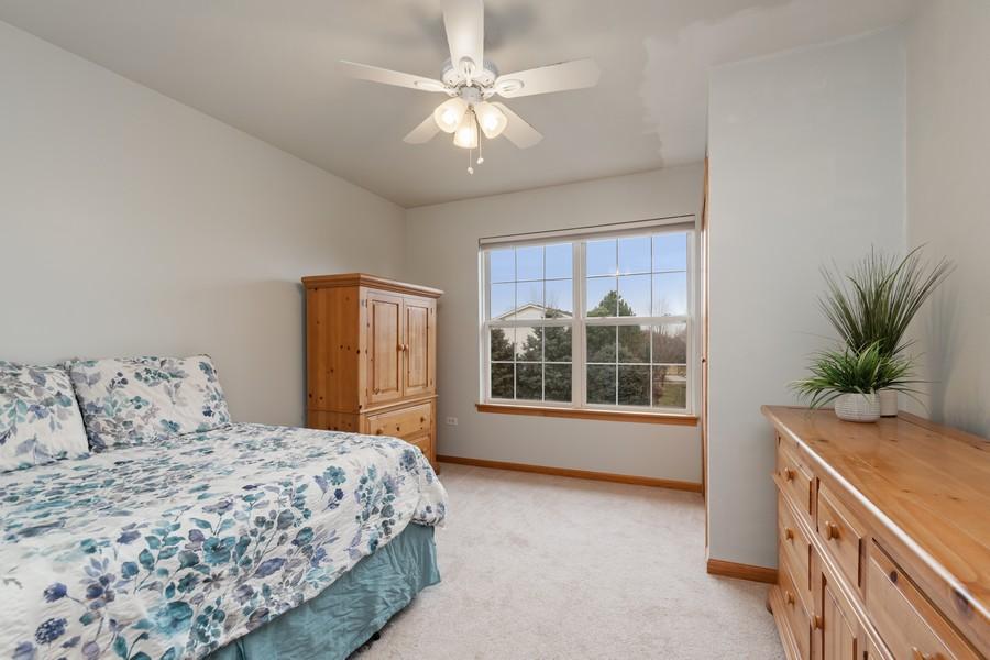Real Estate Photography - 2624 Schooner Dr, New Lenox, IL, 60451 - 2nd Bedroom