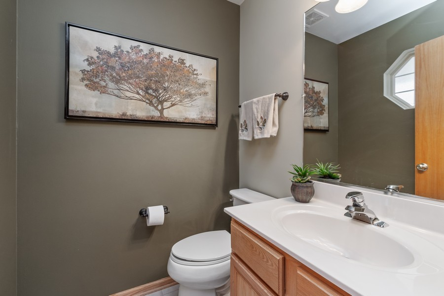Real Estate Photography - 2624 Schooner Dr, New Lenox, IL, 60451 - Half Bath