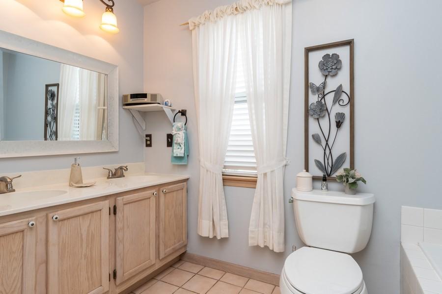 Real Estate Photography - 137 Cinderford Dr, Oswego, IL, 60543 - Master Bathroom