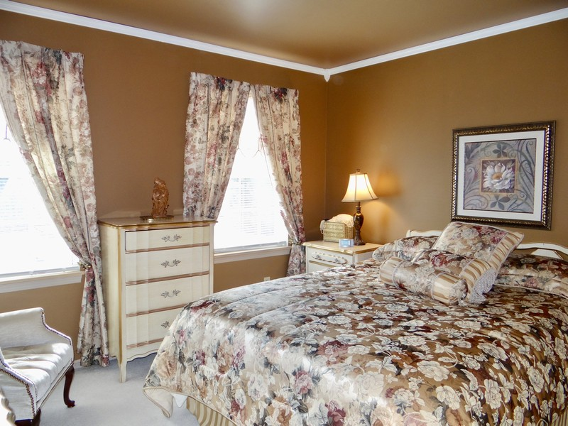 Real Estate Photography - 137 Cinderford Dr, Oswego, IL, 60543 -