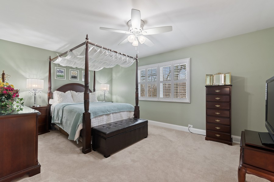 Real Estate Photography - 1519 Wedgefield Cir, Naperville, IL, 60563 - Master Bedroom