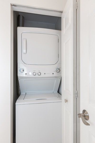 Real Estate Photography - 1 Renaissance Place, Palatine, IL, 60067 - Laundry Room