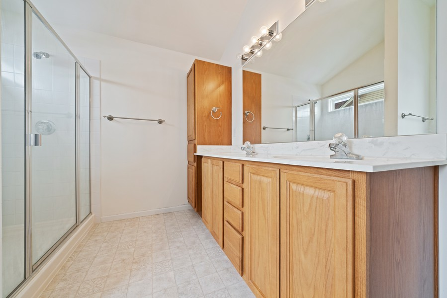 Real Estate Photography - 27233 Red Wing Ln, Channahon, IL, 60410 - MASTER BATH