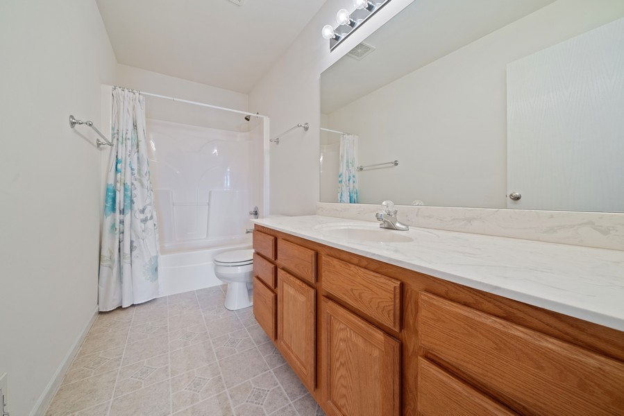 Real Estate Photography - 27233 Red Wing Ln, Channahon, IL, 60410 - SECOND FLOOR FULL BATH