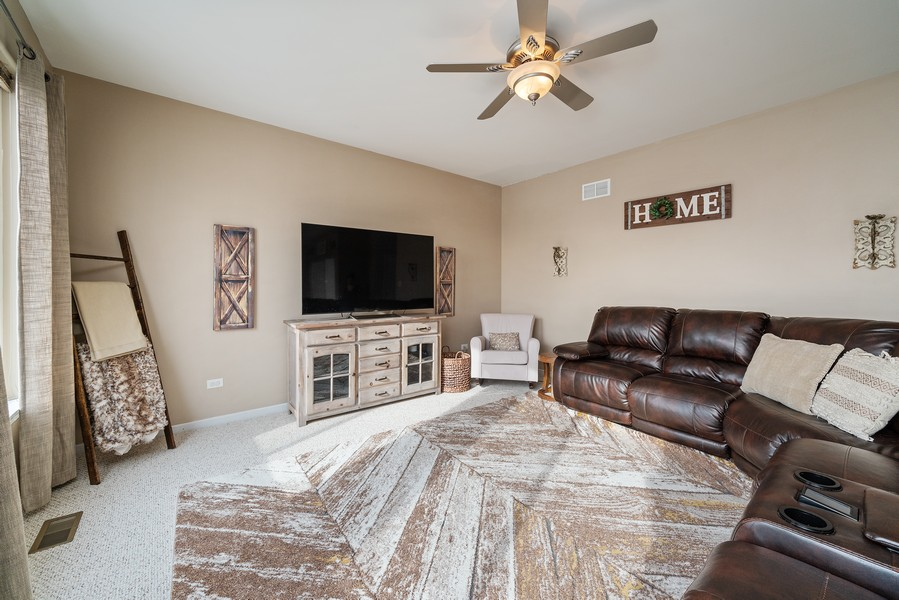 Real Estate Photography - 27233 Red Wing Ln, Channahon, IL, 60410 - FAMILY ROOM