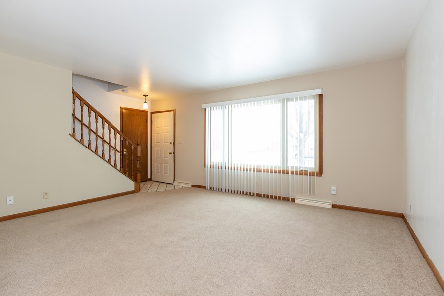 Real Estate Photography - 1032 Schoolgate Rd, New Lenox, IL, 60451 - Living Room