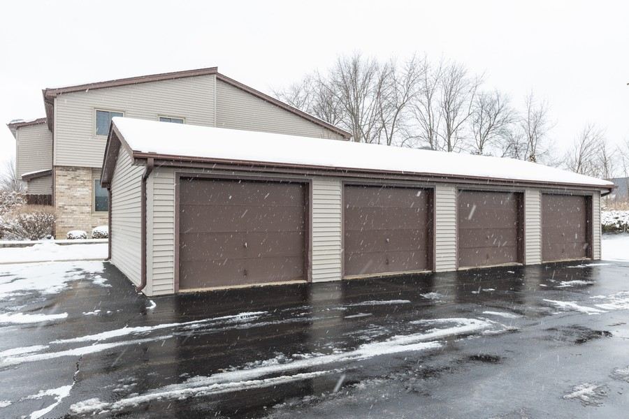 Real Estate Photography - 1032 Schoolgate Rd, New Lenox, IL, 60451 - Garage