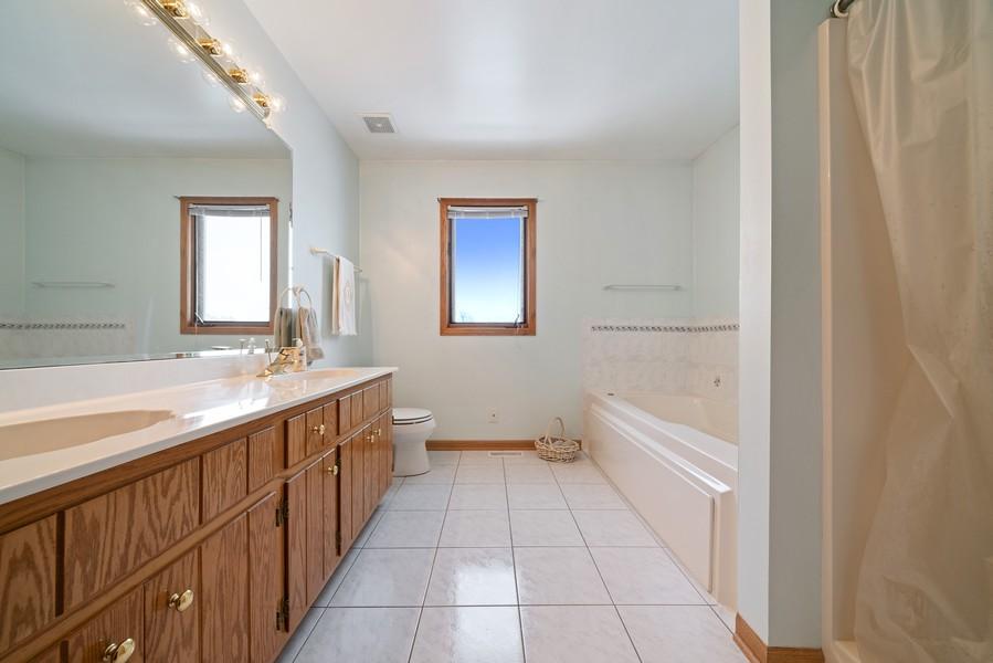Real Estate Photography - 700 O Toole Dr, Minooka, IL, 60447 - MASTER BATH