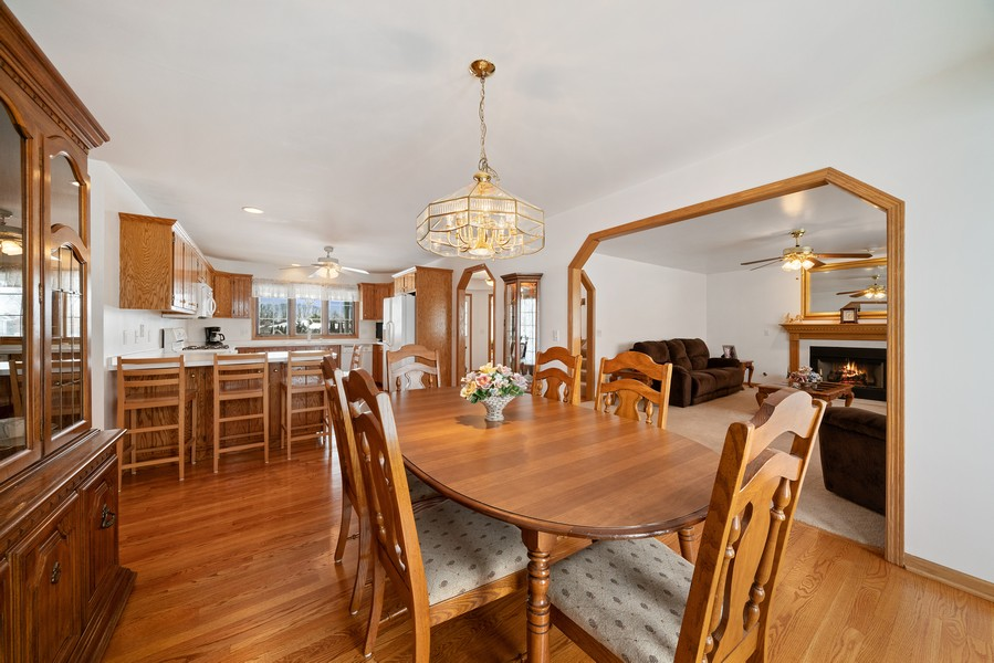 Real Estate Photography - 700 O Toole Dr, Minooka, IL, 60447 - DINING