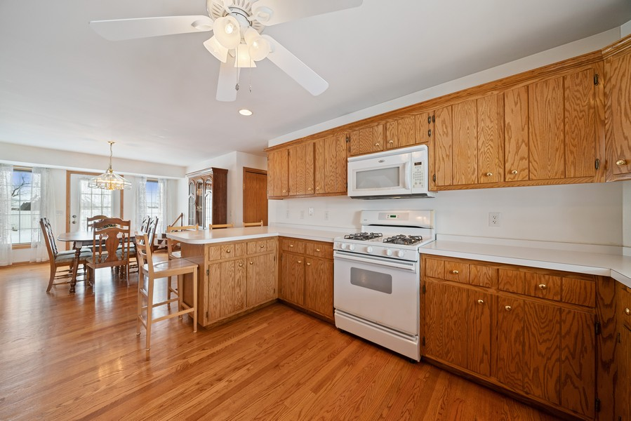 Real Estate Photography - 700 O Toole Dr, Minooka, IL, 60447 - KITCHEN & DINING