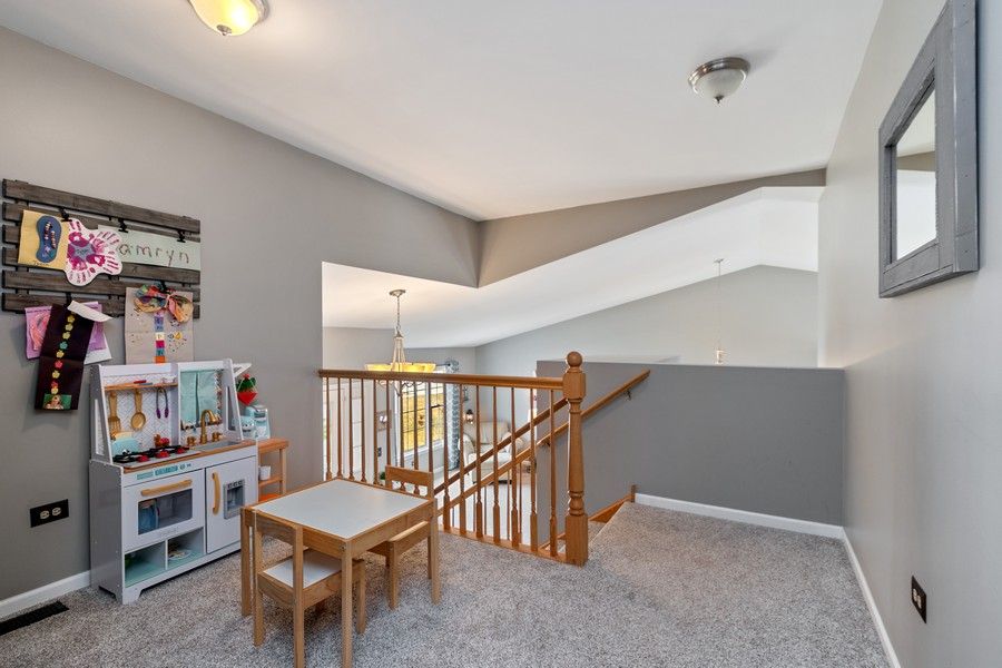 Real Estate Photography - 2338 Cardinal Dr, New Lenox, IL, 60451 - Loft