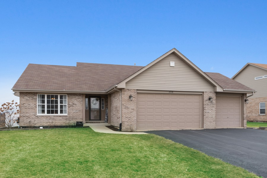 Real Estate Photography - 2338 Cardinal Dr, New Lenox, IL, 60451 - Front View