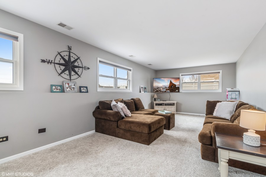 Real Estate Photography - 2338 Cardinal Dr, New Lenox, IL, 60451 -