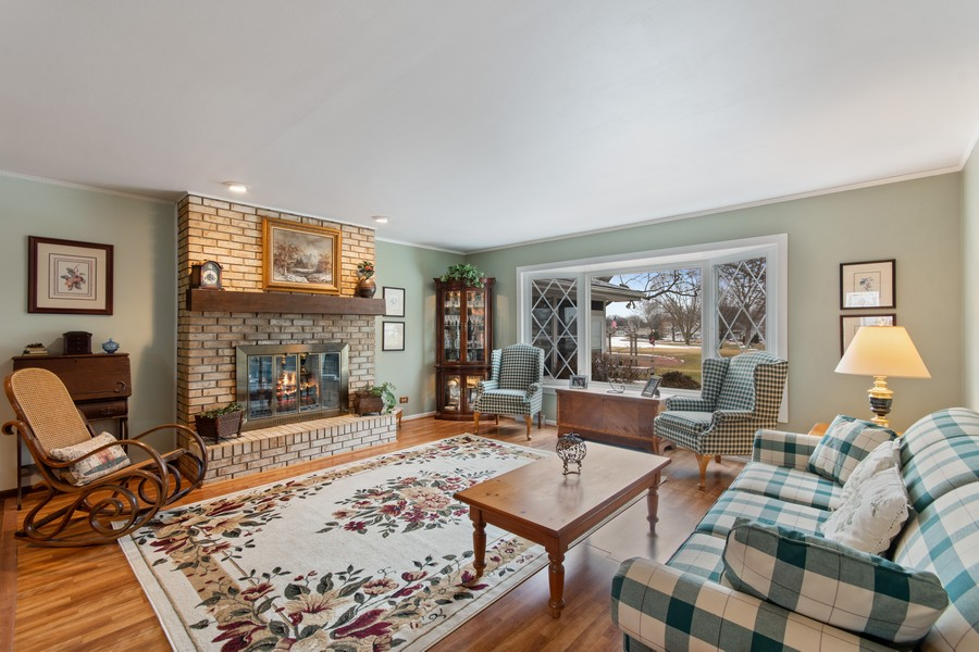 Real Estate Photography - 972 West Bauer Rd, Naperville, IL, 60563 - Living Room