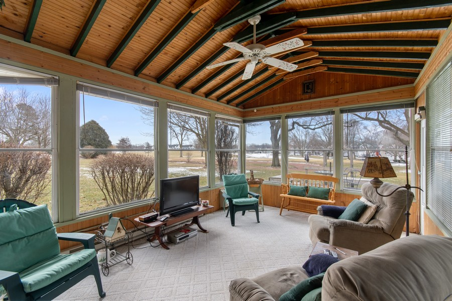 Real Estate Photography - 972 West Bauer Rd, Naperville, IL, 60563 - Sun Room