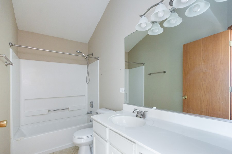 Real Estate Photography - 200 Parkside Dr, Shorewood, IL, 60404 - Master Bathroom