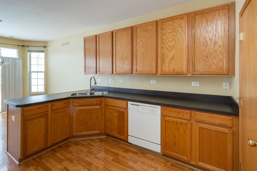 Real Estate Photography - 200 Parkside Dr, Shorewood, IL, 60404 - Kitchen