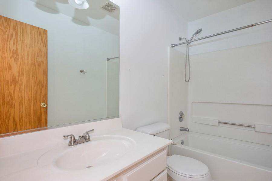 Real Estate Photography - 200 Parkside Dr, Shorewood, IL, 60404 - Bathroom