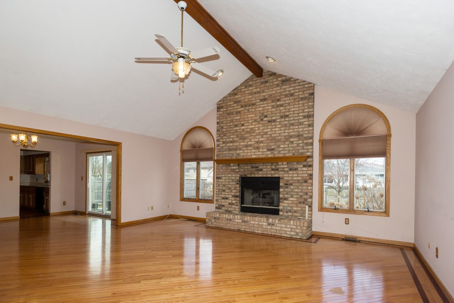 Real Estate Photography - 213 Deerhaven Dr, Minooka, IL, 60447 - Family Room