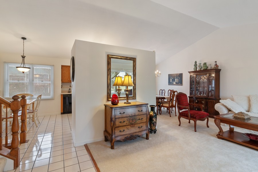Real Estate Photography - 1591 Lois Ann Ln, Naperville, IL, 60563 - Foyer