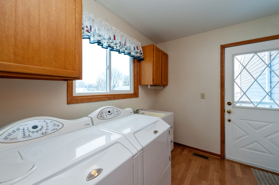 Real Estate Photography - 8807 Regnier Rd, Hebron, IL, 60034 - Laundry Room