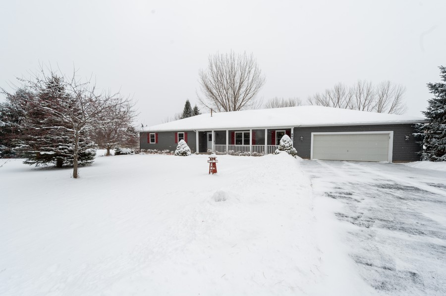 Real Estate Photography - 8807 Regnier Rd, Hebron, IL, 60034 - Front View