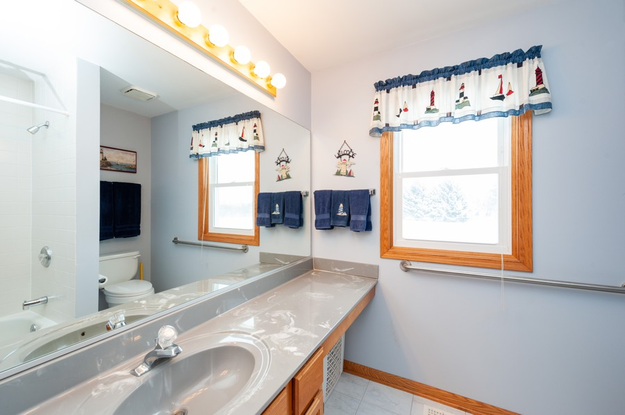 Real Estate Photography - 8807 Regnier Rd, Hebron, IL, 60034 - 2nd Bathroom