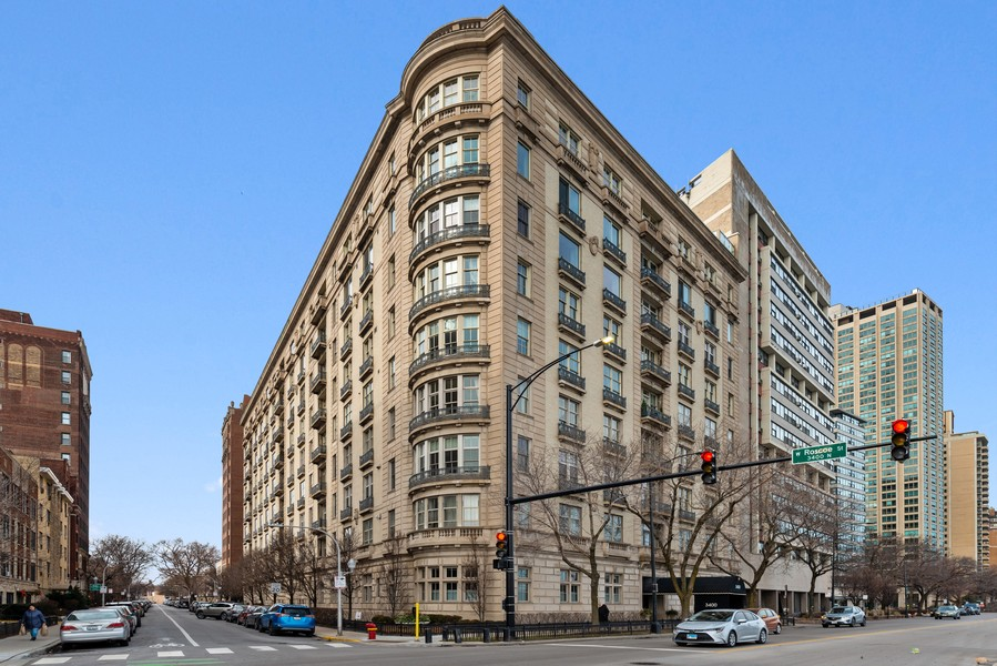 Real Estate Photography - 3400 North Lake Shore Dr, 4A, Chicago, IL, 60657 - Front View