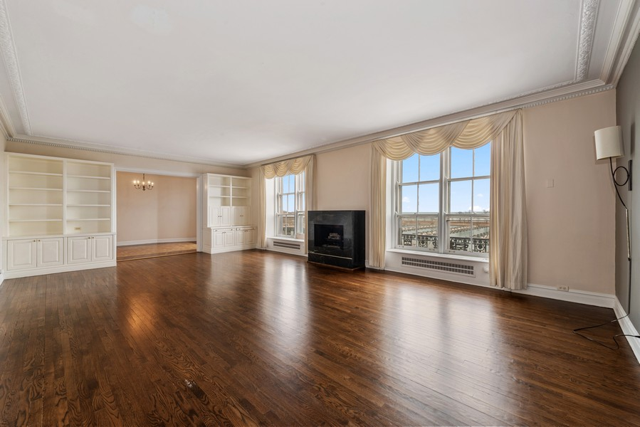 Real Estate Photography - 3400 North Lake Shore Dr, 4A, Chicago, IL, 60657 - Living Room / Dining Room