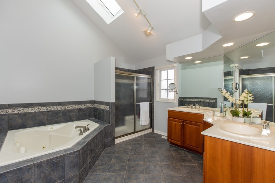 Real Estate Photography - 3655 Hector Ln, Naperville, IL, 60564 - Master Bathroom