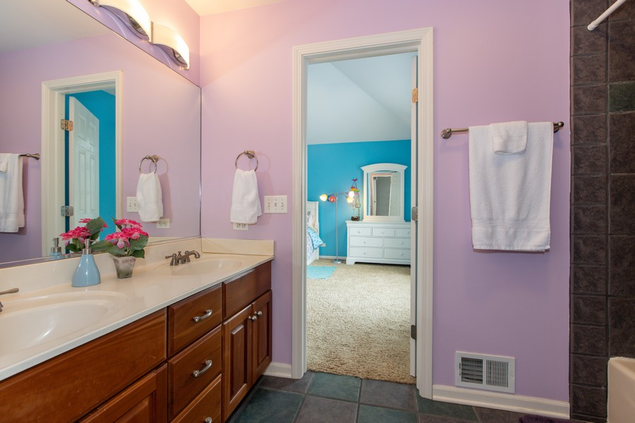 Real Estate Photography - 3655 Hector Ln, Naperville, IL, 60564 - 2nd Bathroom