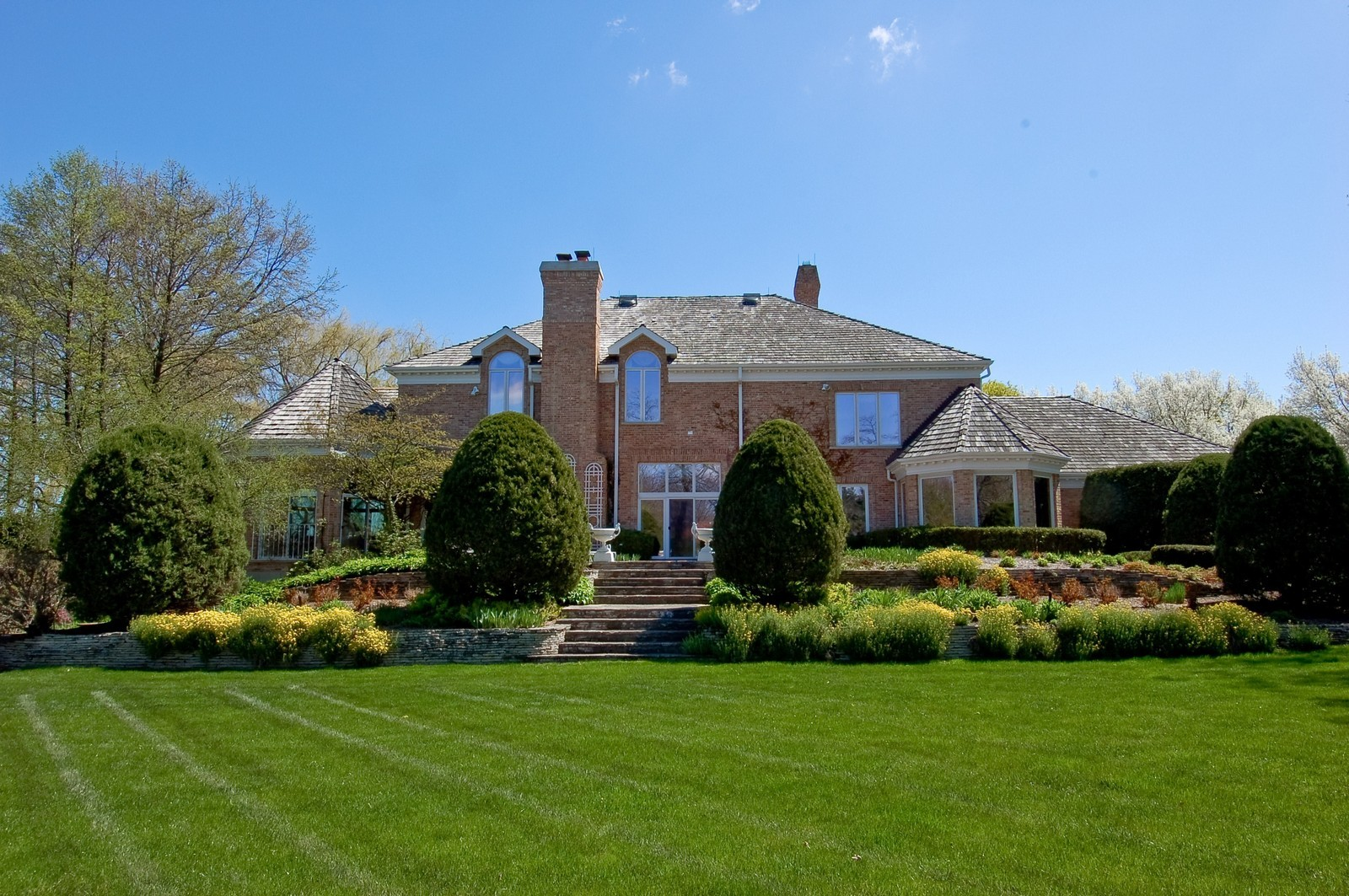 Real Estate Photography - 25471 W Plamondon, Wheaton, IL, 60189 - Location 2