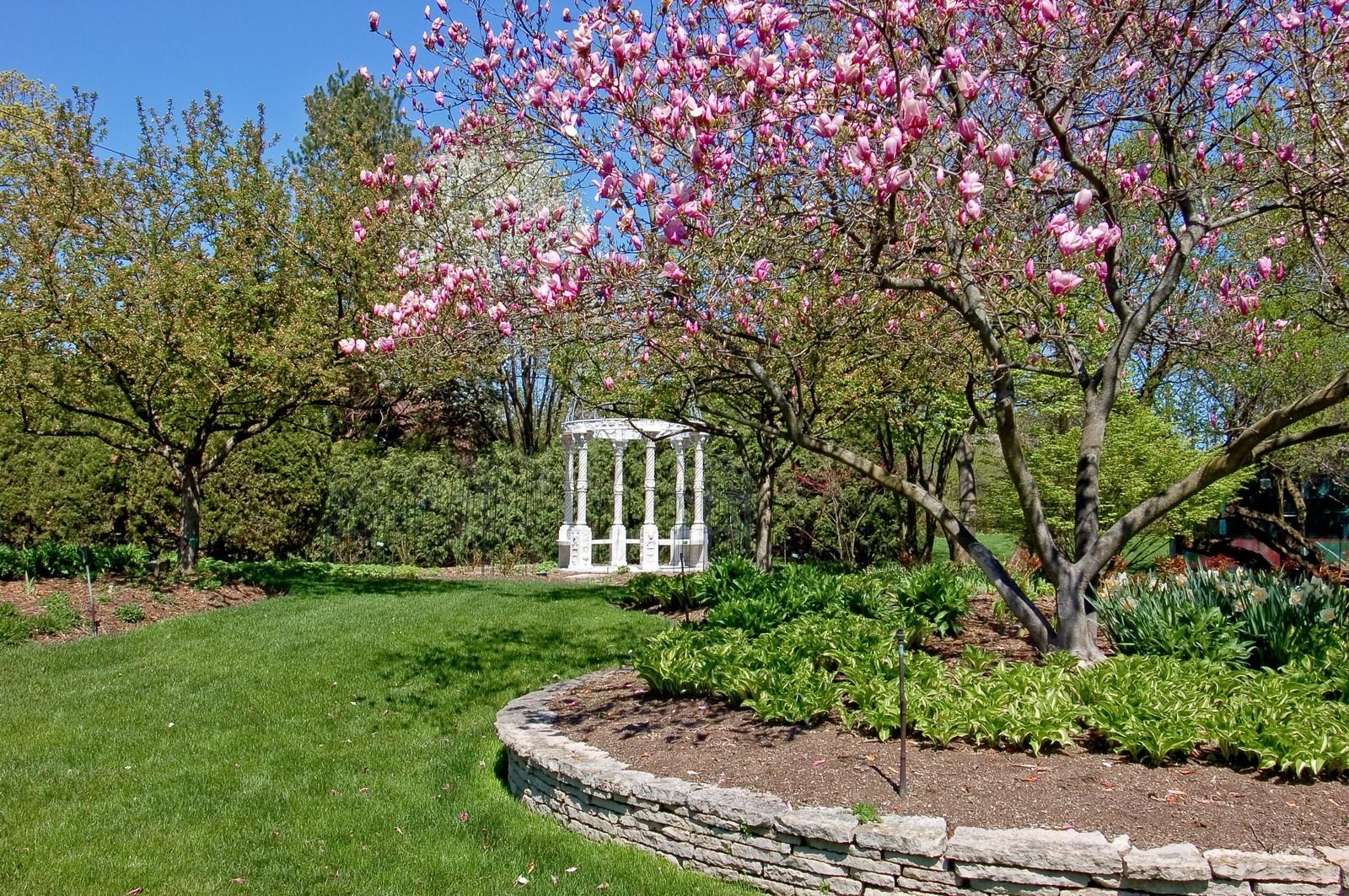 Real Estate Photography - 25471 W Plamondon, Wheaton, IL, 60189 - Location 3