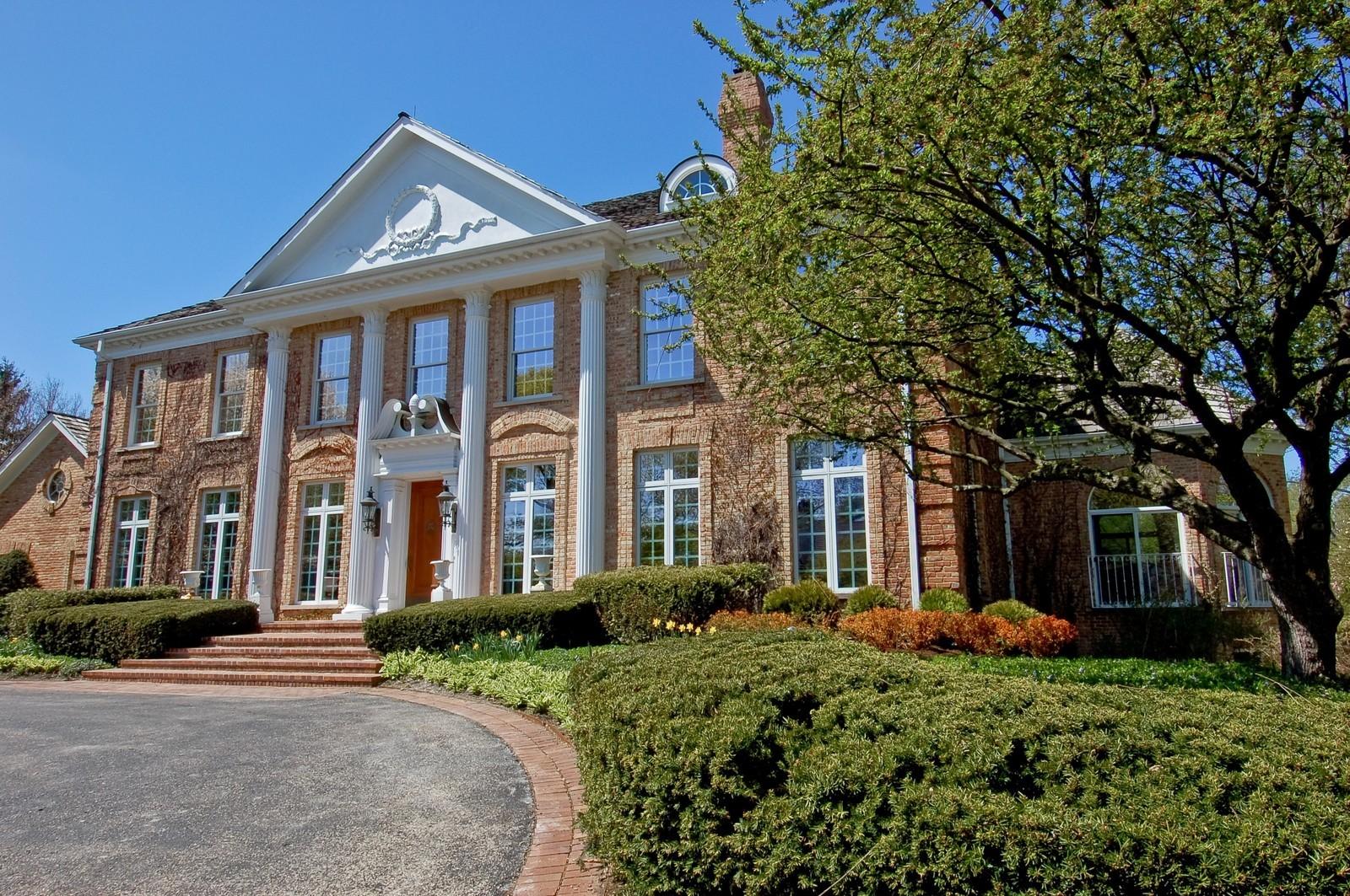 Real Estate Photography - 25471 W Plamondon, Wheaton, IL, 60189 - Front View