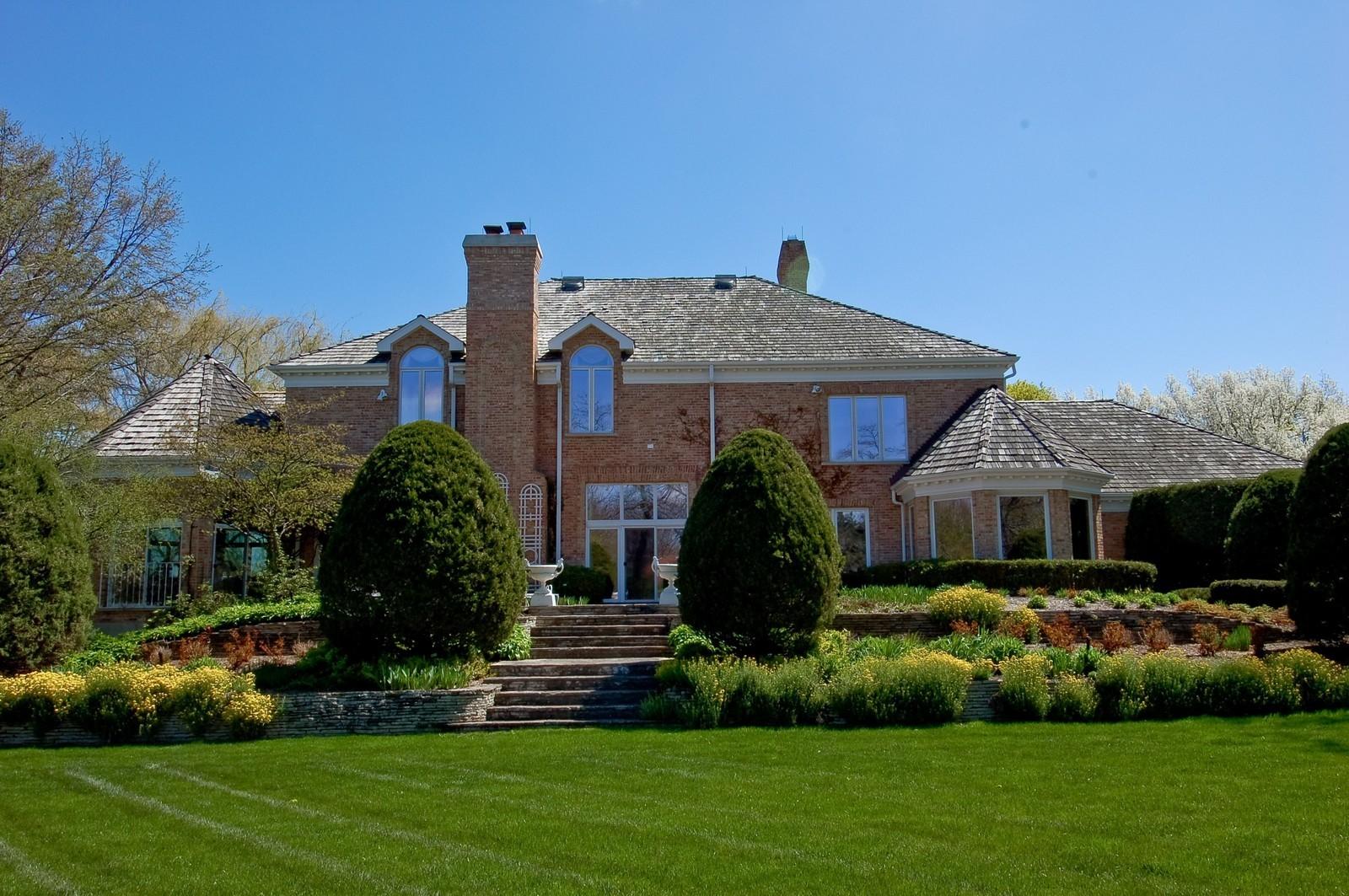 Real Estate Photography - 25471 W Plamondon, Wheaton, IL, 60189 - Rear View