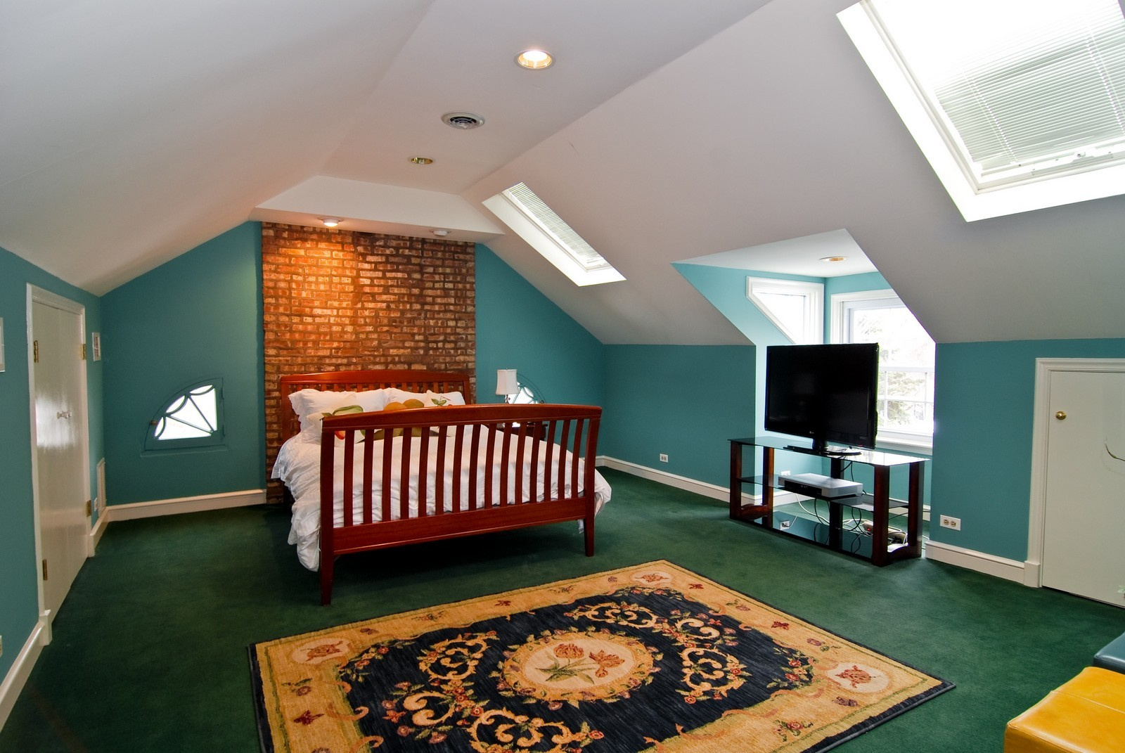 Real Estate Photography - 1532 Butterfield Road, Flossmoor, IL, 60422 - Location 1