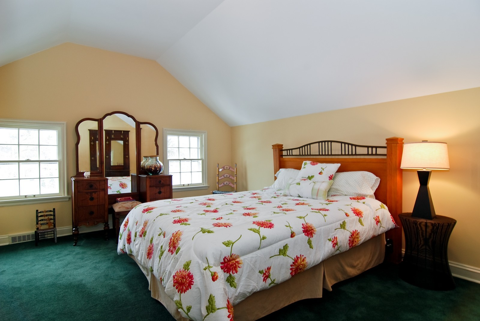 Real Estate Photography - 1532 Butterfield Road, Flossmoor, IL, 60422 - 4th Bedroom