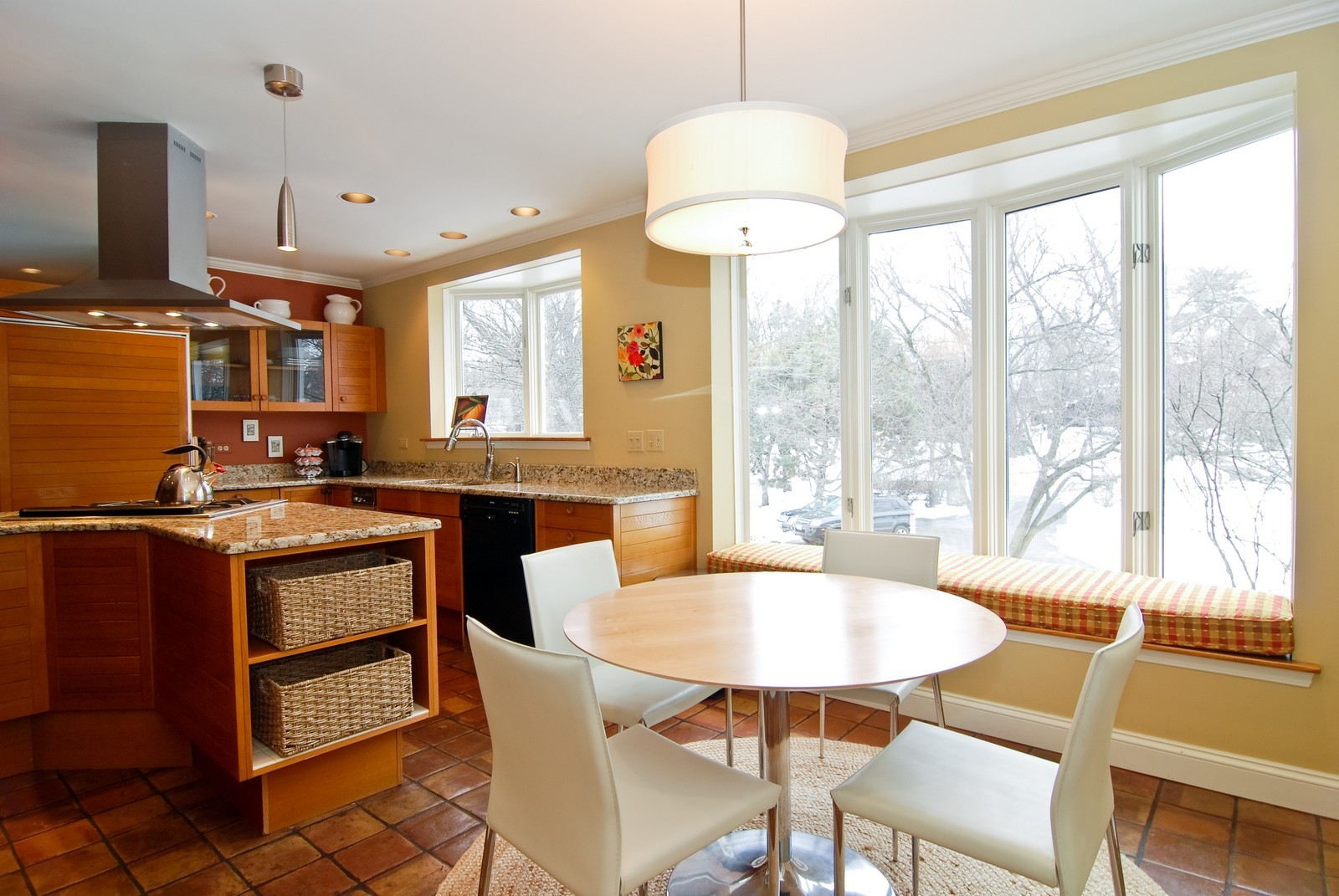 Real Estate Photography - 1532 Butterfield Road, Flossmoor, IL, 60422 - Kitchen dining space with bay window seat.