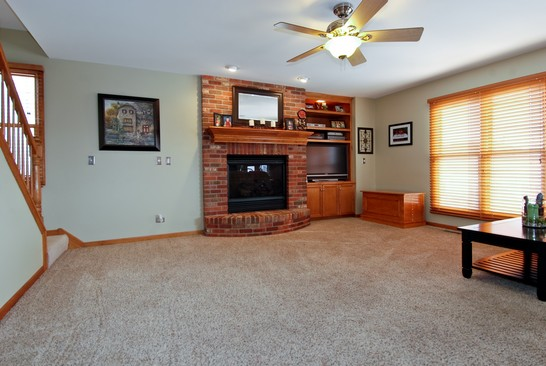 Family Room photograph of 723 Westlake Elburn Illinois 60119