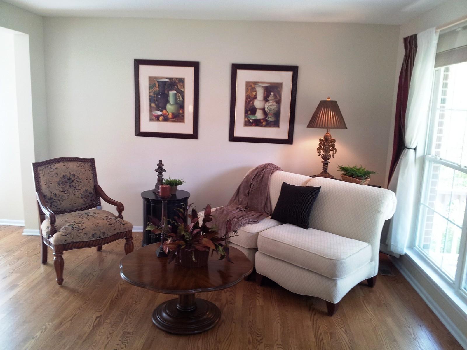 Real Estate Photography - 1086 Camillia, Fox River Grove, IL, 60021 - Living Room
