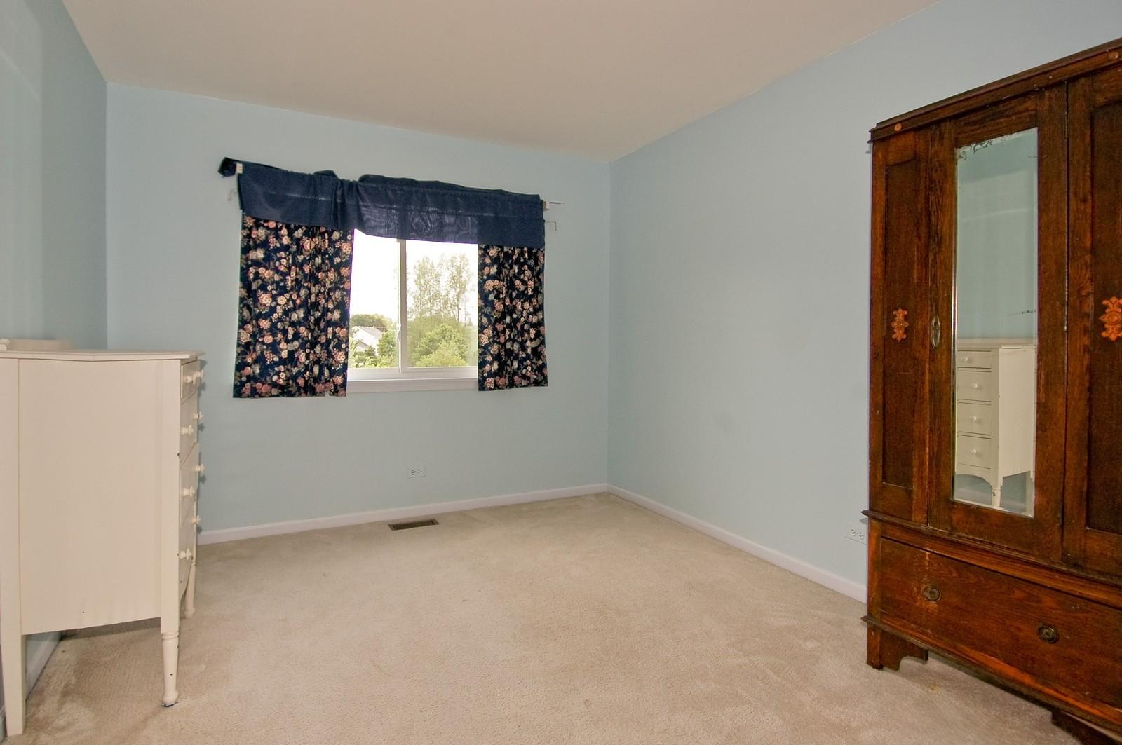 Real Estate Photography - 1086 Camillia, Fox River Grove, IL, 60021 - Master Bathroom